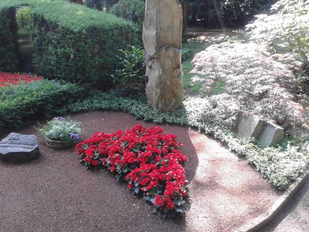 Friedhofsgaertnerei-Brachtendorf